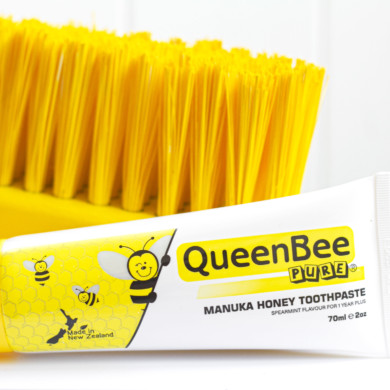 QueenBee Pure Manuka Honey Toothpaste