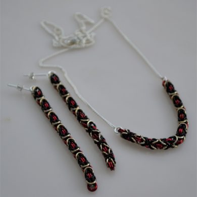 BWR long earrings R